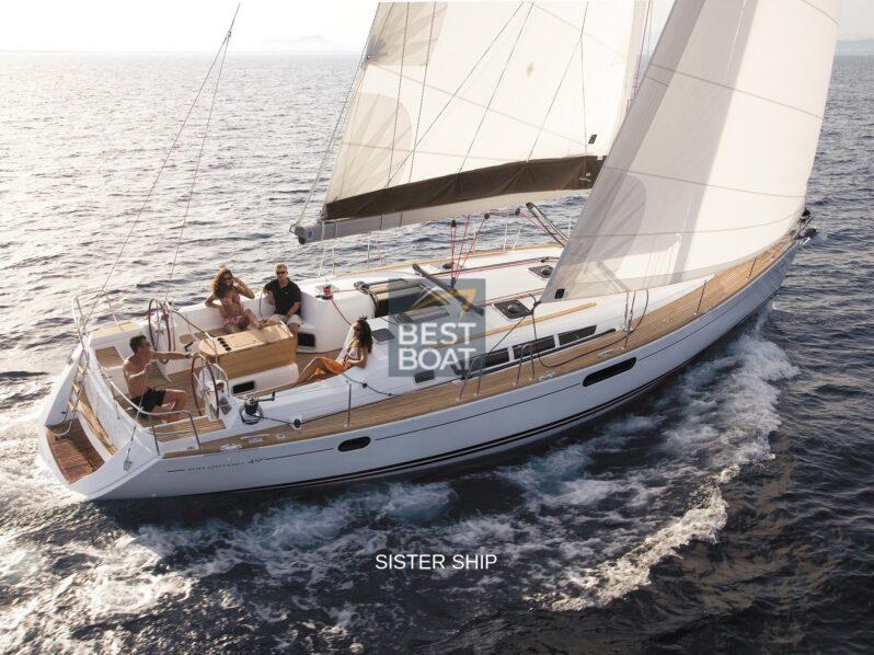 Sun Odyssey 49i in navigazione mura dritta
