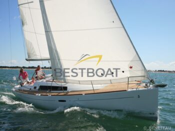 Oceanis 37 Beneteau in navigazione